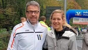 Das Laufen lässt sie nicht mehr los: Dieter Meyer und Janina Meyer vom LC 93 Delmenhorst. Foto: Die Laufreporter