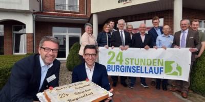 Kuchen für die Sponsoren: In wenigen Wochen steigt wieder der 24-Stunden Burginsellauf in der Delmenhorster Graft. Foto: Konczak